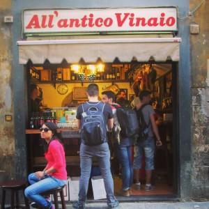 Antico Vinaio depuis la rue Florence