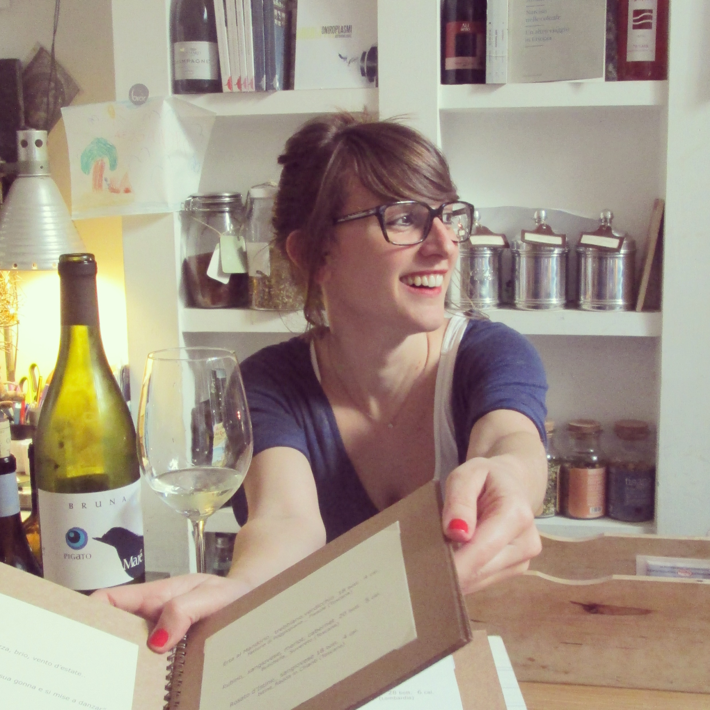 Giulia consultante en vin Brac Florence quartier santa croce alidifirenze5
