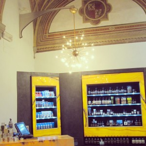 Olfattoria bar à parfums interieur palais tornabuoni florence alidifirenze
