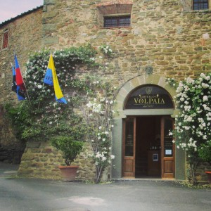 village bottega Volpaia Chianti cooperative vin alidifirenze