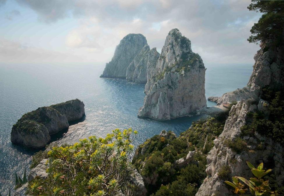 Faraglioni,_Capri,_Italy ali di firenze