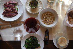 Déjeuner au Castello di Ama