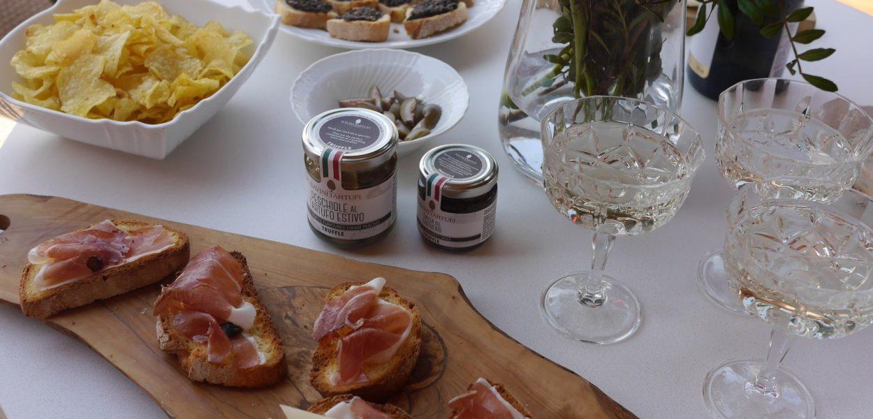 Truffement Votre Ep. 1, L'aperitivo avec Savini Tartufi