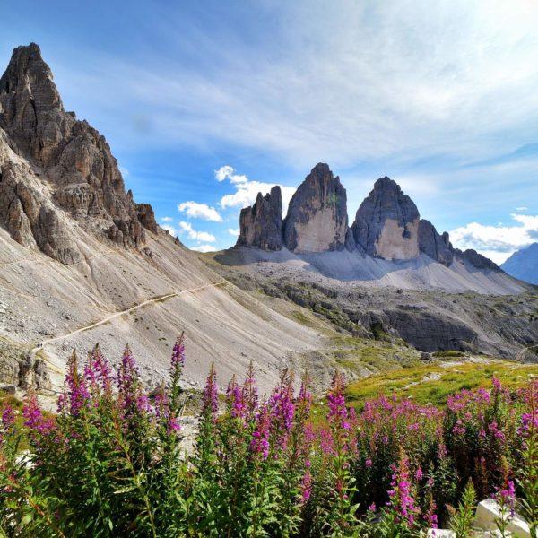 Les dolimites durant un trekking en italie