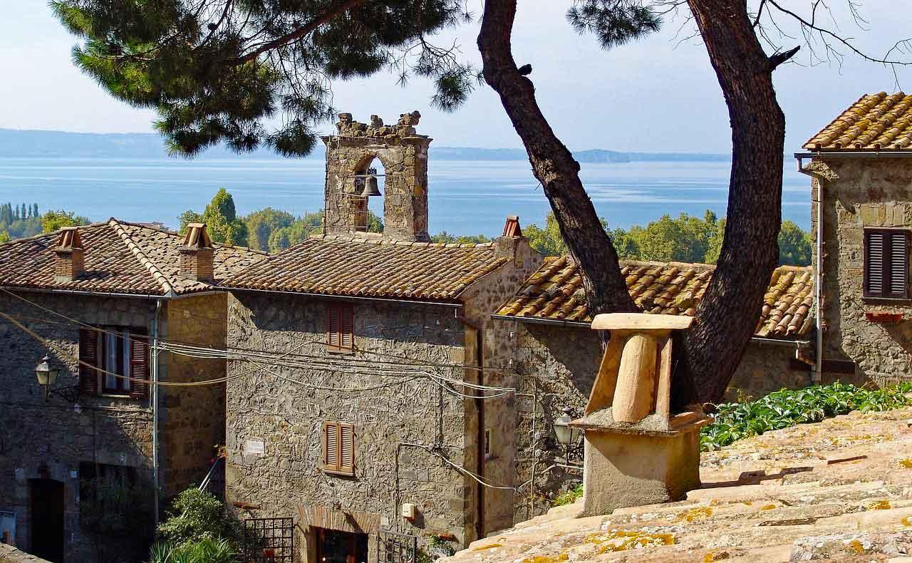 Paysage de bolsena en italie pour les vacances
