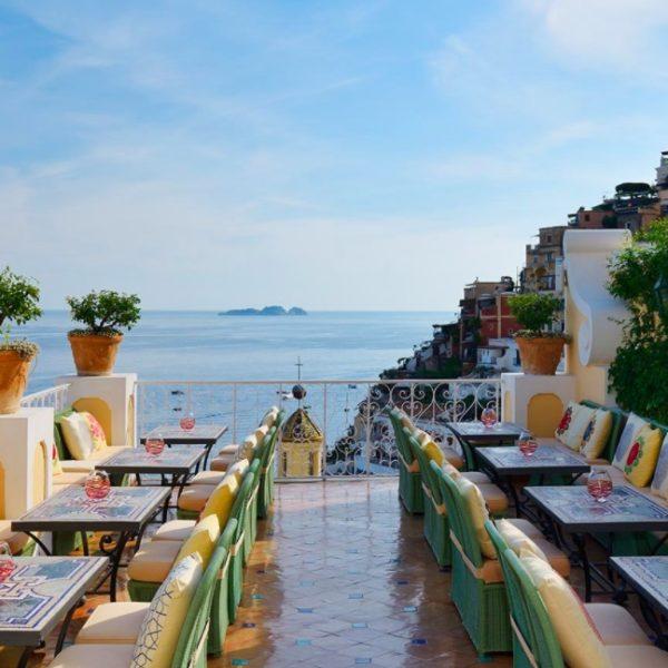 Meilleur restaurant avec vue magnifique sur la côte amalfitaine
