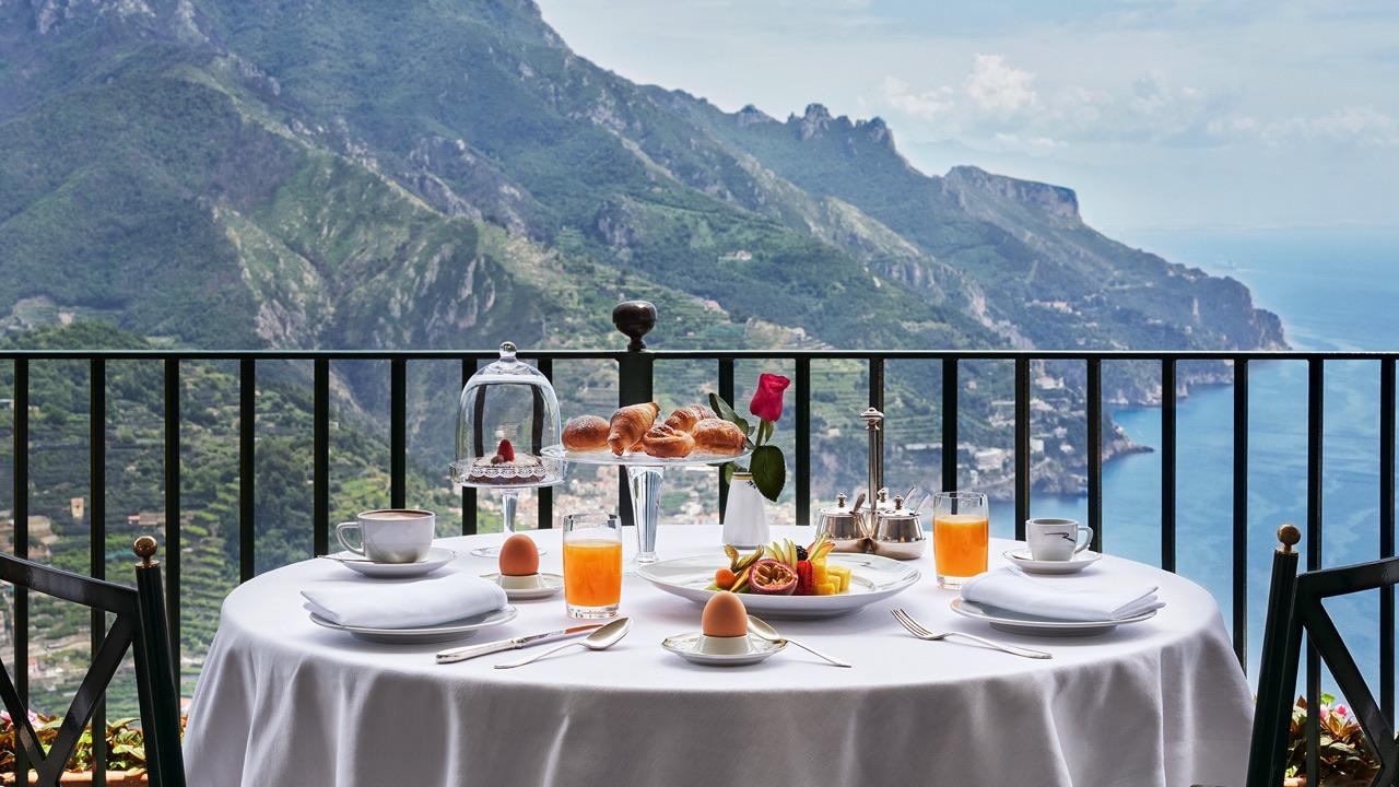 cote amalfitaine hotel palazzo avino petit dejeuner