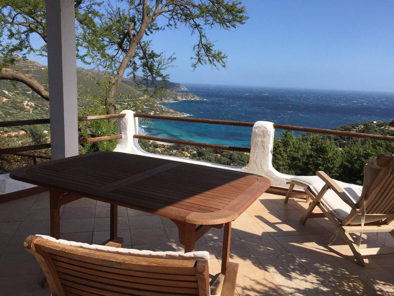 sardaigne terrasse vue mer