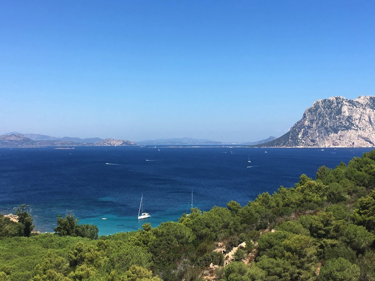 sardaigne paysage mer bateau